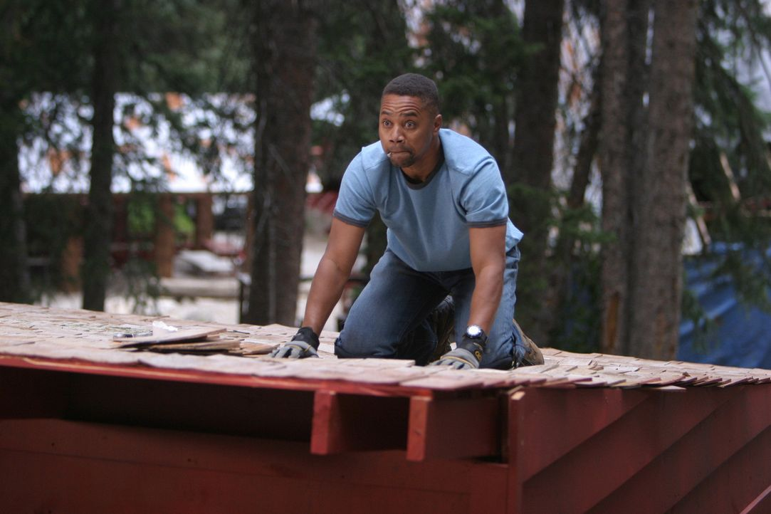 Er ist schnell mit seinen Kids überfordert, die für Chaos von früh bis spät sorgen: Charlie Hinton (Cuba Gooding Jr.) bittet deshalb seinen Vate... - Bildquelle: Sony 2007 CPT Holdings, Inc.  All Rights Reserved.