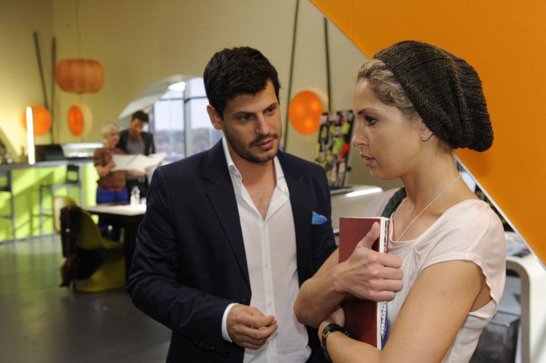 Wie wird es zwischen Luca (Manuel Cortez, vorne l.) und Nina (Maria Wedig, vorne r.) weitergehen? - Bildquelle: SAT.1