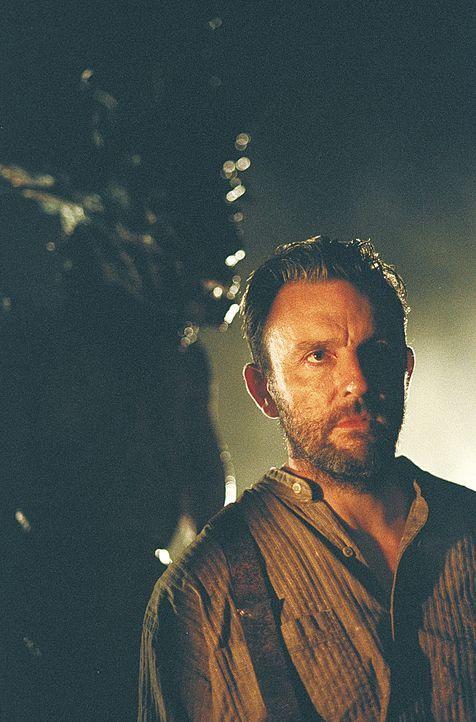 Captain Dunn (Jim Piddock) befürchtet Schlimmstes ... - Bildquelle: 2004 Sony Pictures Television International. All Rights Reserved.