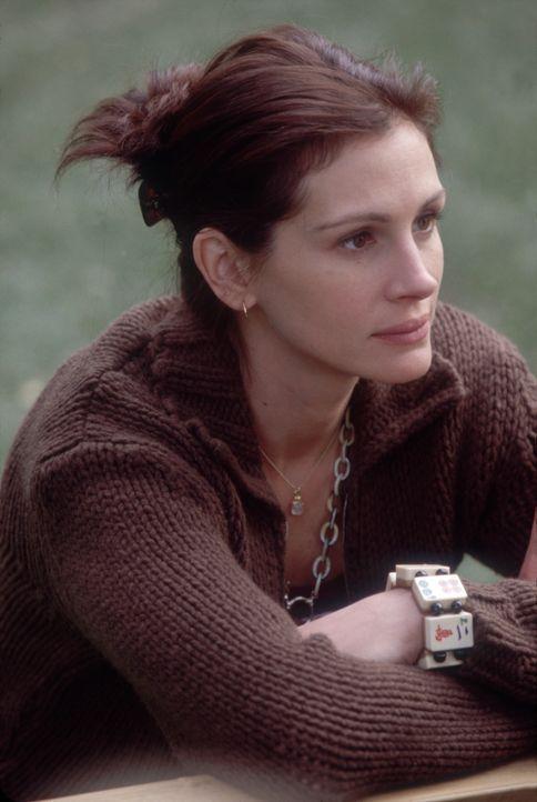 Gwens Schwester Kiki (Julia Roberts) - zugleich auch ihre Assistentin - gibt alles, um die Launen der prominenten Seitenspringerin nicht an die Öff... - Bildquelle: 2004 Senator Film, alle Rechte vorbehalten.