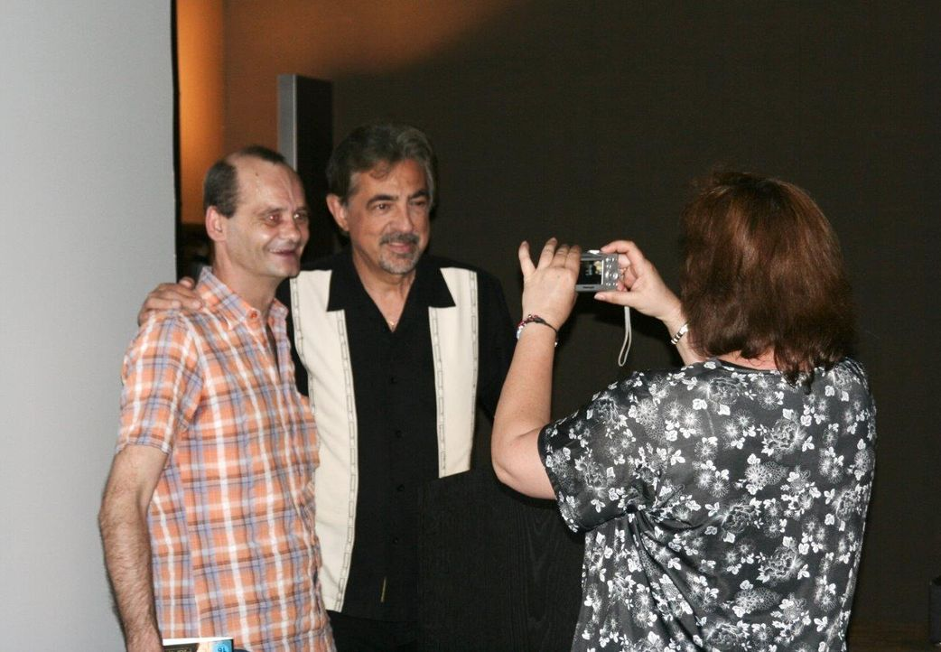 Meet & Greet: Joe Mantegna1