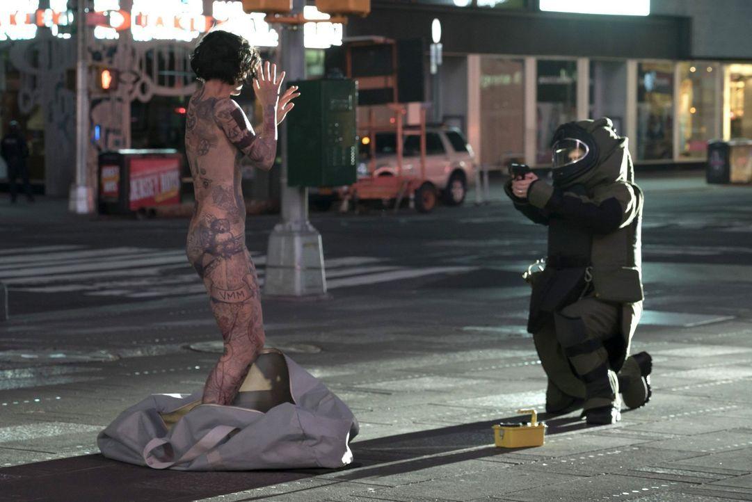 Als sie nackt auf dem Times Square aufwacht, kann sie sich nicht mehr an ihre Identität erinnern und hat auch keine Ahnung, wie sie überhaupt dorthi... - Bildquelle: Warner Brothers