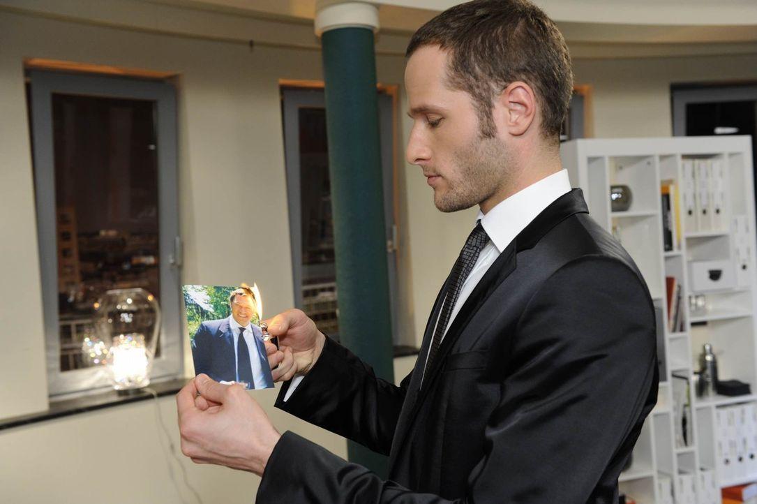 David (Lee Rychter), der seit Monaten vergeblich versucht hat, Richards Beziehung zu Natascha zu torpedieren, ist keineswegs erleichtert, dass ihm d... - Bildquelle: SAT.1
