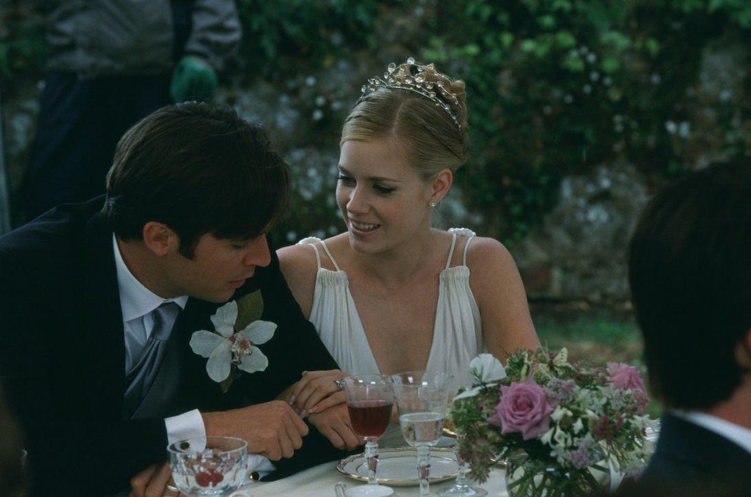 Bringt durch ihre Hochzeit ganz schon Trubel in das Leben ihrer Schwester: Amy Ellis (Amy Adams, r.) ... - Bildquelle: Gold Circle Films