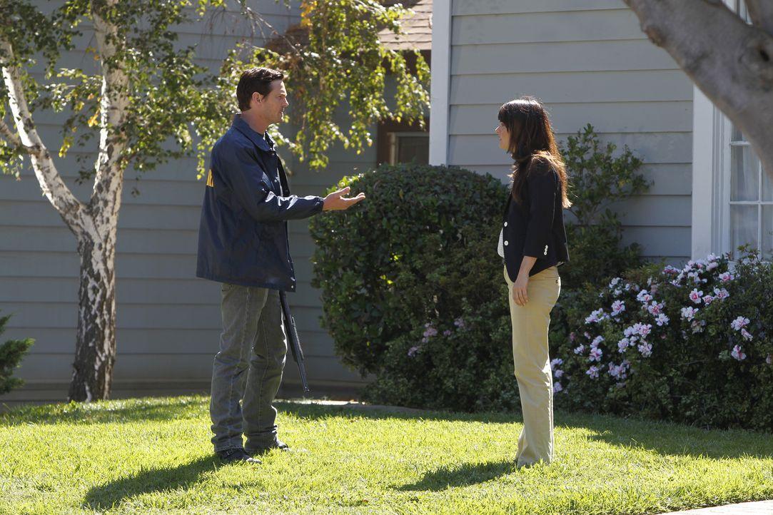 Bei einem neuen Fall trifft Teresa (Robin Tunney, r.) auf ihren Bruder Tommy (Henry Thomas, l.) ... - Bildquelle: Warner Bros. Television