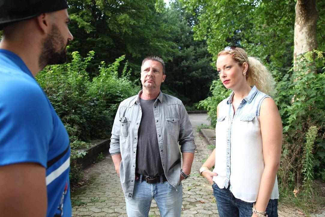 Die erfahrenen Detektive Heiner Sturm (M.) und Sophie Bergmann (r.) kämpfen stets für das Recht ihrer Auftraggeber ... - Bildquelle: SAT.1