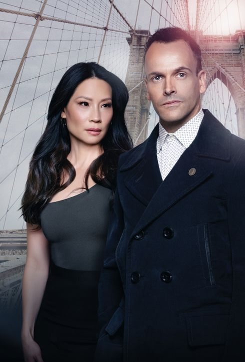 (5. Staffel) - Ein eigensinniges Ermittlerteam in New York: Sherlock Holmes (Jonny Lee Miller, r.) und Joan Watson (Lucy Liu, l.) ... - Bildquelle: Justin Stephens 2014 CBS Broadcasting Inc. All Rights Reserved.