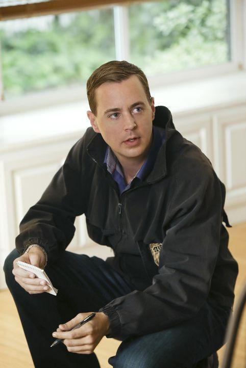Während Gibbs und Bishop nach Afghanistan reisen, um dort in einem neuen Fall zu ermitteln, wird McGee (Sean Murray) als Gesicht des NCIS für die ne... - Bildquelle: Greg Gayne CBS Television