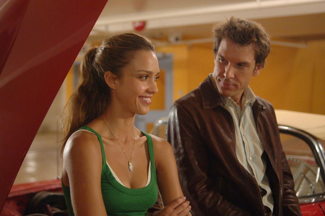Sind sich auf Anhieb sympathisch: Cam (Jessica Alba, l.) und Charlie (Dane Cook, r.) ... - Bildquelle: 2007 Lions Gate Films, Inc. All Rights Reserved.