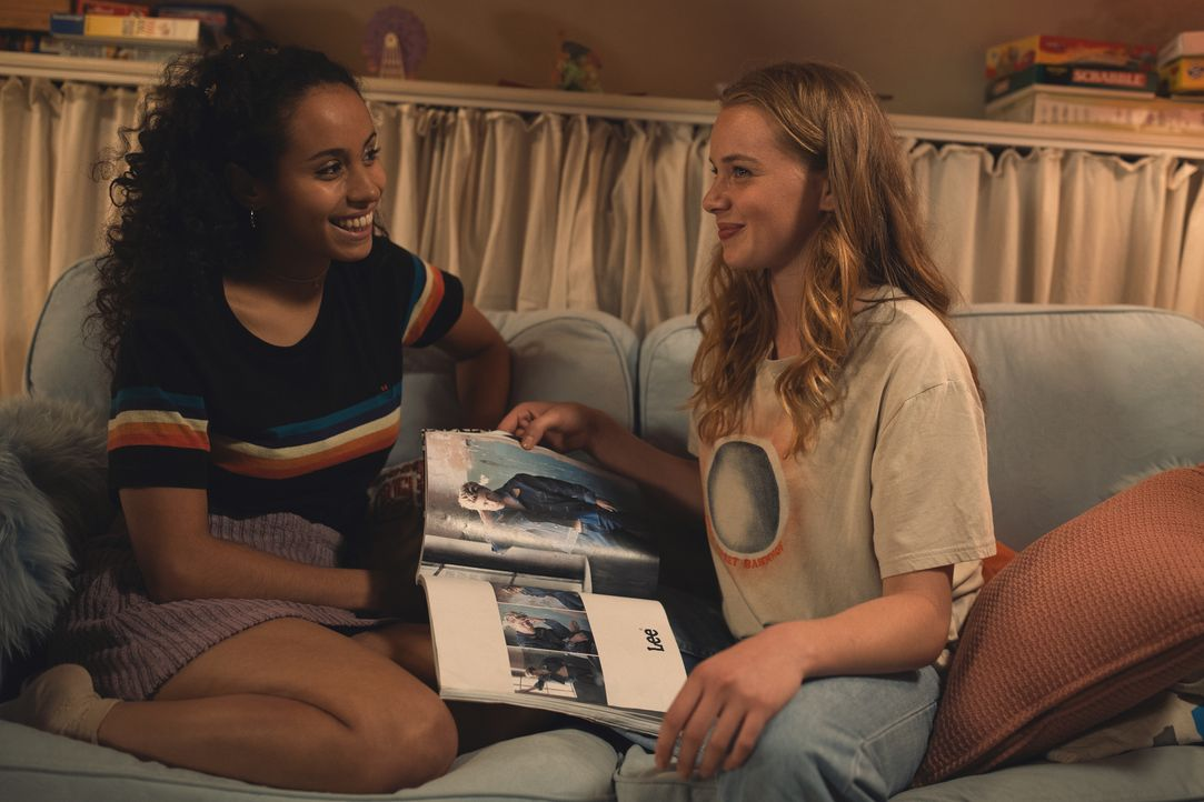 Vanessa (Kristin Alia Hunold, l.); Jessica (Luna Wedler, r.) - Bildquelle: 2019, STUDIOCANAL, Pantaleon Films, SevenPictures Films