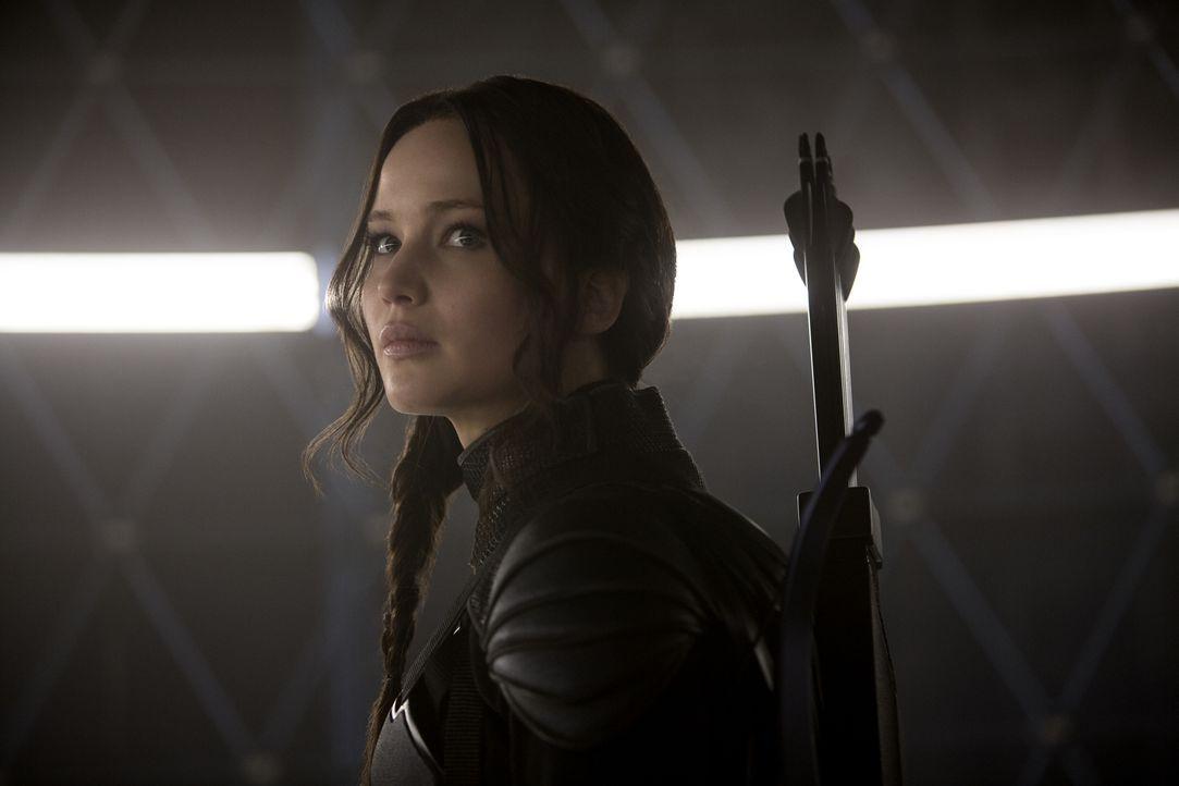 Auch bei der sonst so tapferen Katniss (Jennifer Lawrence) macht sich jetzt großes Unbehagen breit: Gelingt es ihr noch, ihren Freund Peeta aus den... - Bildquelle: Murray Close TM &   2014 Lions Gate Entertainment Inc. All rights reserved.