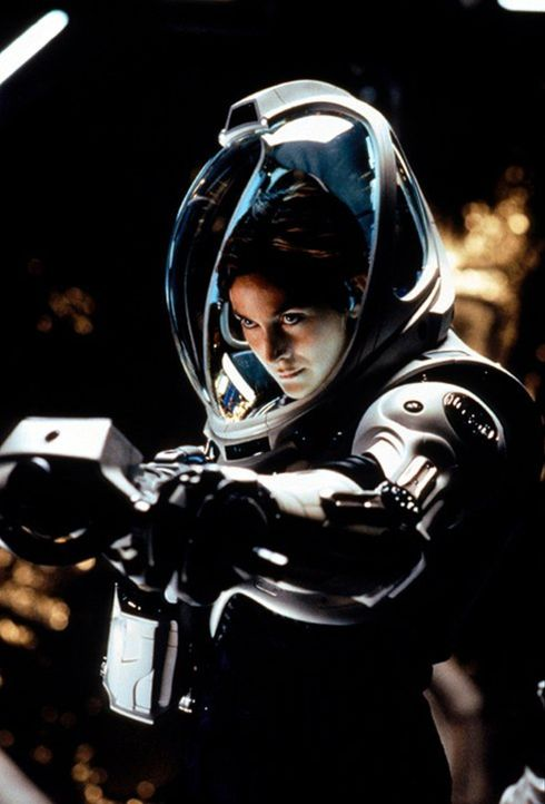 Als es zu einen mysteriösen Zwischenfall auf dem Mars kommt, soll eine kleine Crew um Commander Bowman (Carrie-Anne Moss) der Sache auf den Grund ge... - Bildquelle: Warner Bros. Entertainment Inc.