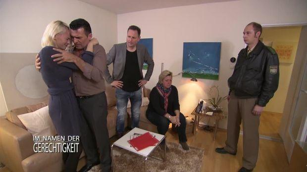 Im Namen Der Gerechtigkeit - Im Namen Der Gerechtigkeit - Staffel 1 Episode 88: Mama Ist Wieder Da