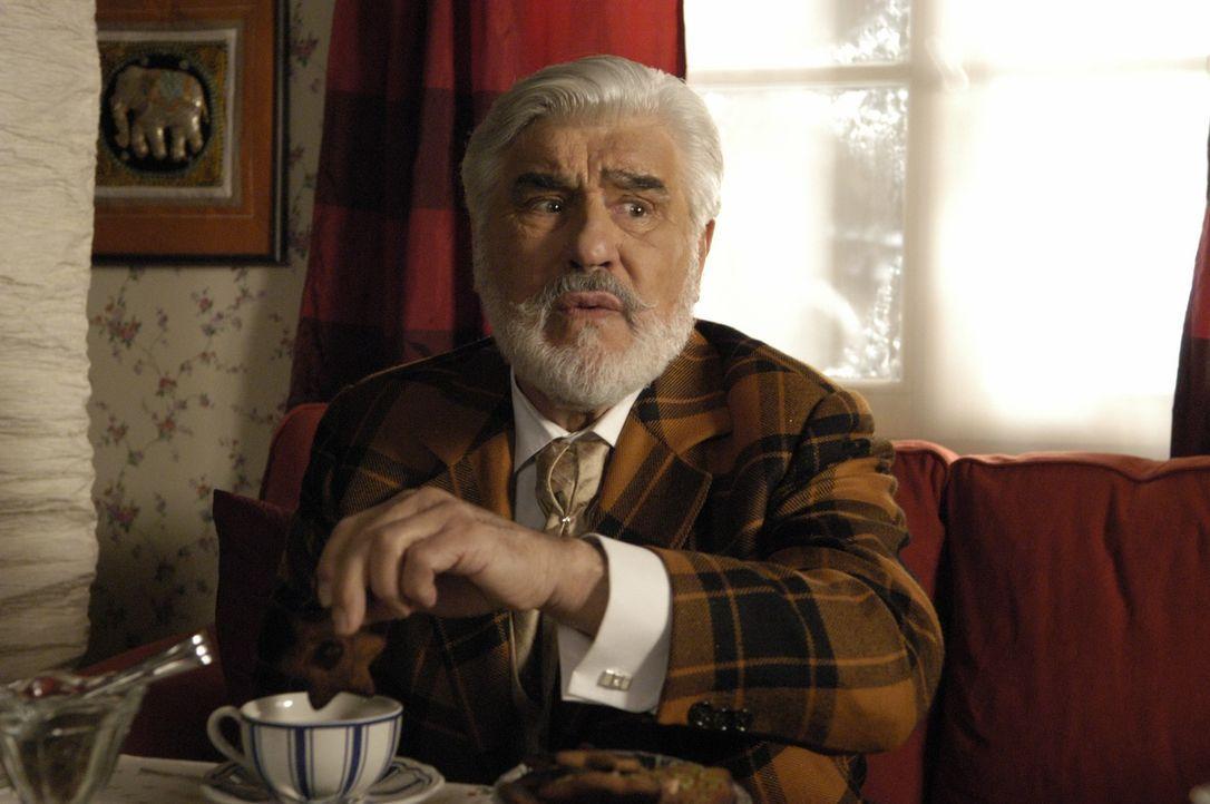 Auf der Suche nach seinem Elch: der Weihnachtsmann (Mario Adorf) ... - Bildquelle: Buena Vista International Television