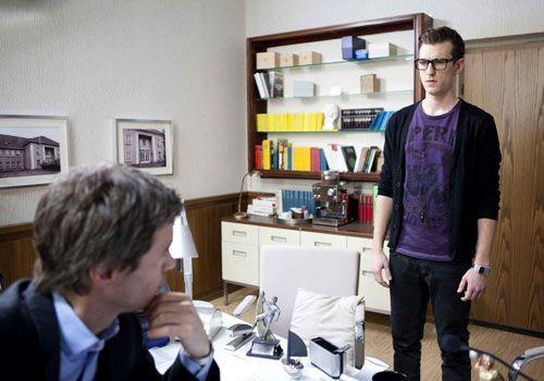 Hotte meldet sich bei Julian von der Schule ab ... - Bildquelle: David Saretzki - Sat1