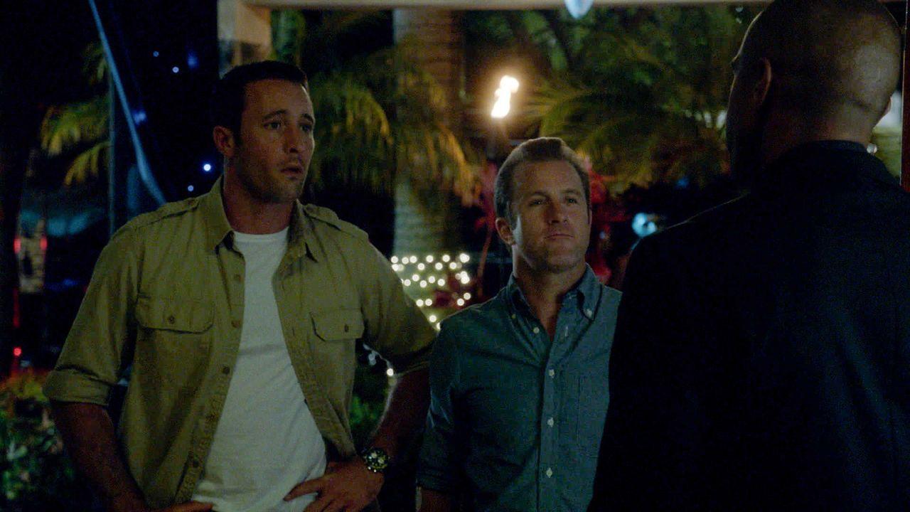 Bei einer Halloween Party werden Max und noch ein paar weitere Leute von einem Mann angegriffen, der sich wie ein Zombie benimmt. Das Team um Steve... - Bildquelle: 2013 CBS BROADCASTING INC. All Rights Reserved.