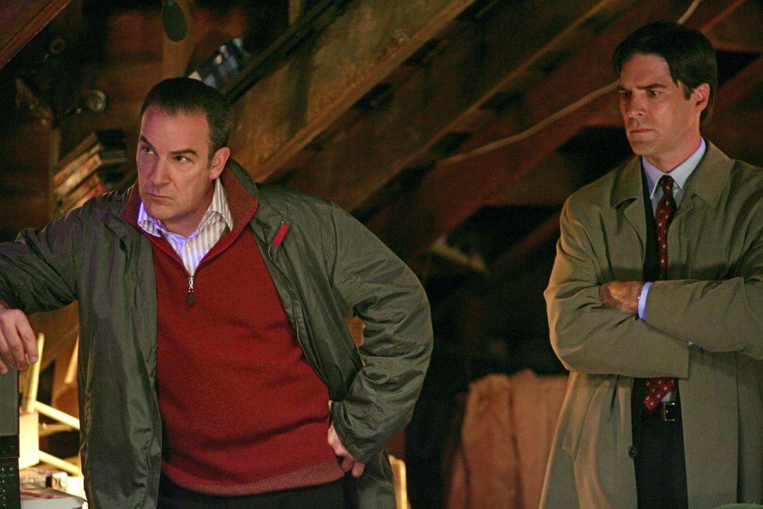 Die Ermittlungen in einem neuen Fall, führen Agent Aaron Hotchner (Thomas Gibson, r.) und Special Agent Jason Gideon (Mandy Patinkin, l.) zu einem... - Bildquelle: Touchstone Television