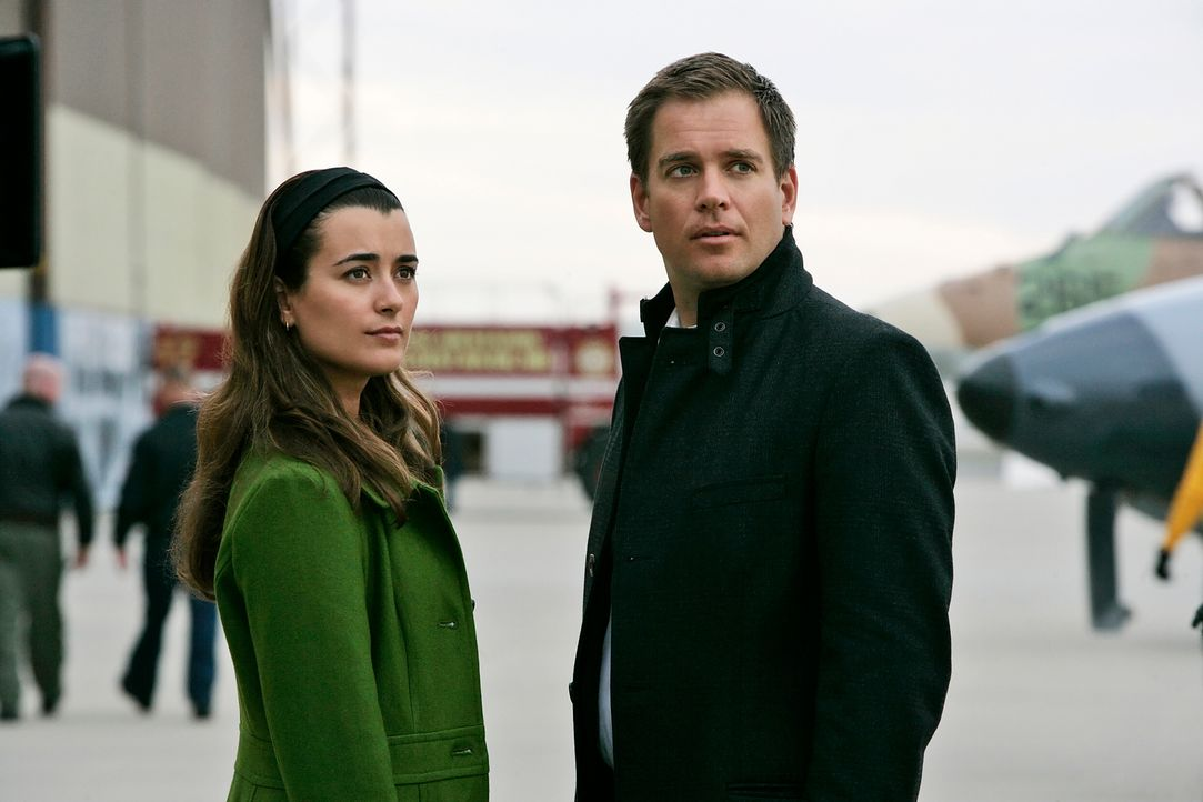 Ermitteln in einem neunen Fall: Ziva (Cote de Pablo, l.) und Tony (Michael Weatherly, r.) ... - Bildquelle: CBS Television