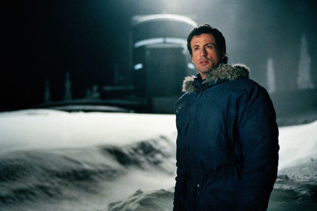 Von der Außenwelt abgeschieden beginnt für Jake Malloy (Sylvester Stallone) ein Kampf ums Überleben ... - Bildquelle: Universal Pictures
