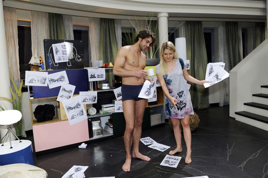 Anna (Jeanette Biedermann, r.) hat mitten in der Nacht eine Idee, wie sie und Jonas (Roy Peter Link, l.) es schaffen können, Davids feindliche Übe... - Bildquelle: SAT.1
