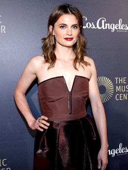 Stana-Katic-141206-2-getty-AFP-cut - Bildquelle: Jonathan Leibson/Getty Images for The Music Center/AFP