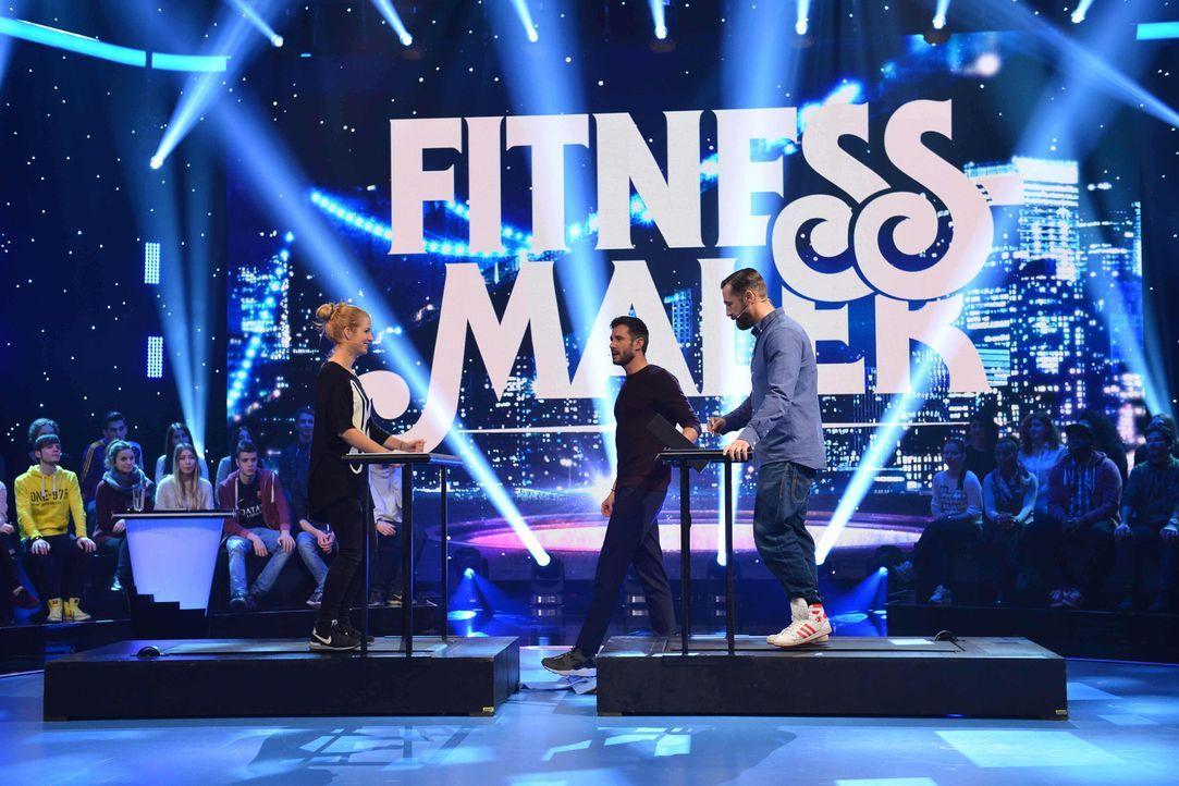 """Wie schneiden Susan Sideropoulos (l.) und Bürger Lars Dietrich (r.) beim Spiel """"Fitness-Maler"""" ab? Jochen Schropp (M.) ist gespannt ... - Bildquelle: Willi Weber SAT.1"""