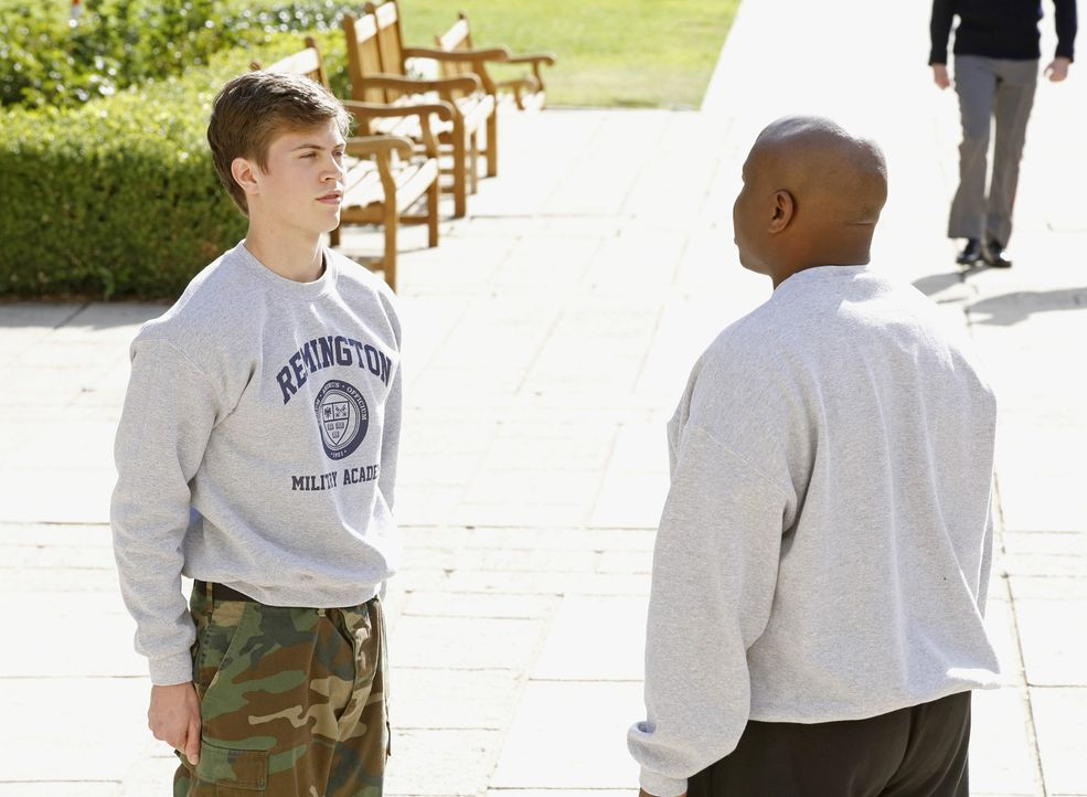 Ein junger Marine wurde an einer Militärakademie ermordet aufgefunden. Das Team beginnt mit den Ermittlungen und DiNozzo (Tanner Stine, l.) wird an... - Bildquelle: CBS Television