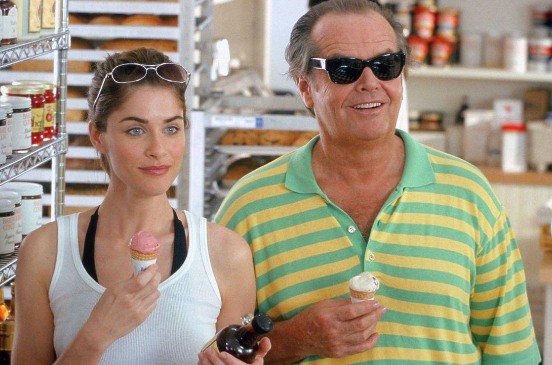 Wollen ein gemeinsames romantisches Wochenende verbringen: Marin (Amanda Peet, l.) und Harry (Jack Nicholson, r.) ... - Bildquelle: Warner Bros. Pictures
