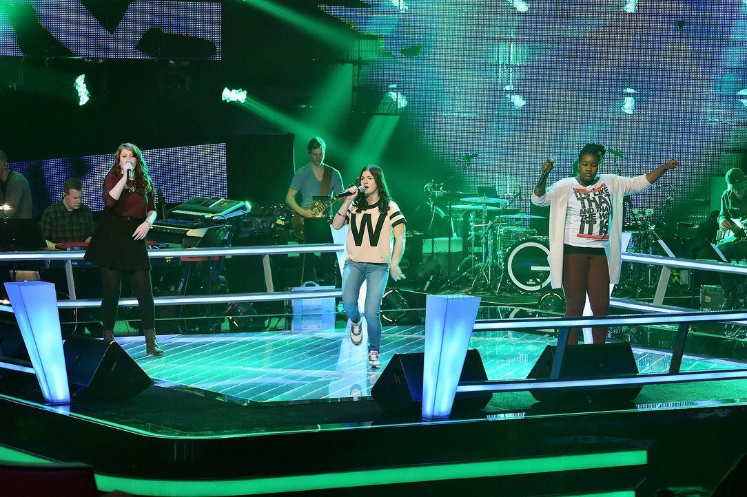 The-Voice-Kids-Stf03-Epi06-Auftritte-49-Samira-Christin-Benita-SAT1-Andre-Kowalski - Bildquelle: SAT.1/Andre Kowalski