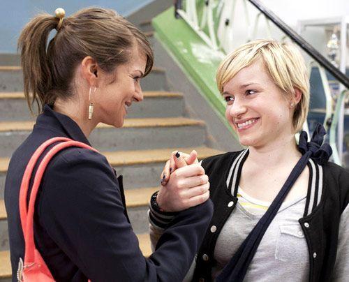 Jenny nimmt den Druck des Outings endgültig von Emma. - Bildquelle: David Saretzki - Sat1