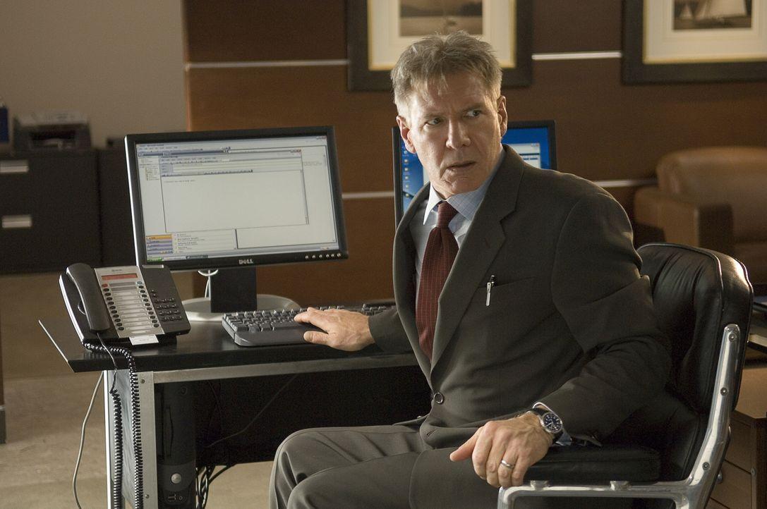 Security-Experte Jack Stanfield (Harrison Ford) muss in seine eigene Bank einbrechen, um seine Familie zu retten ... - Bildquelle: Warner Bros. Pictures