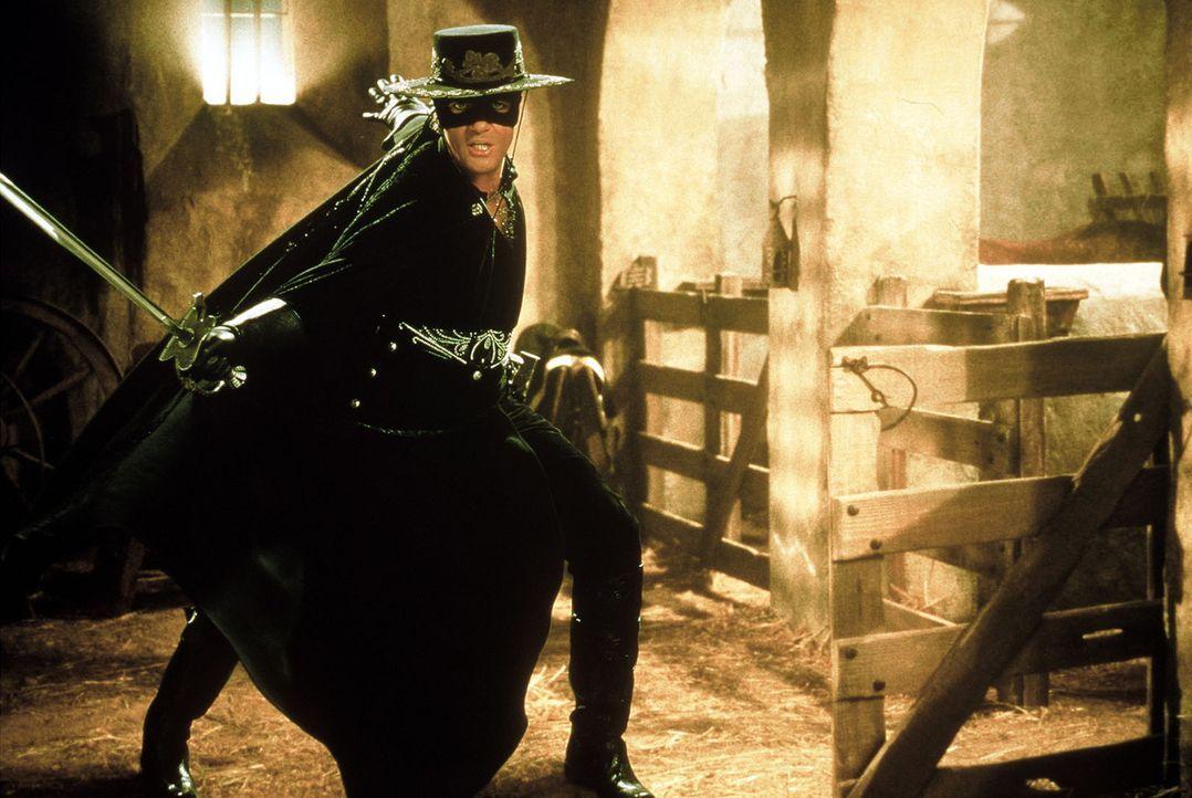 20 Jahre nach seiner Inhaftierung entkommt Zorro, der geheimnisvolle Rächer mit der schwarzen Maske, aus seinem Kerker und bildet den jungen und un... - Bildquelle: Columbia Pictures