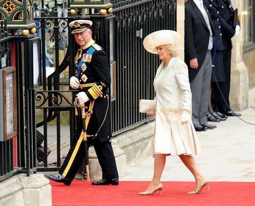William-Kate-Einzug-Kirche-Prince-Charles-Camilla-11-04-29-500_404_AFP - Bildquelle: AFP