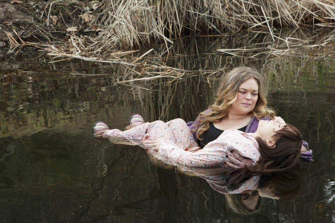 Was hat Jane Gould (Rebecca Field, l.) mit Molly Grandin (Rachel Miner, r.) nur vor? - Bildquelle: ABC Studios
