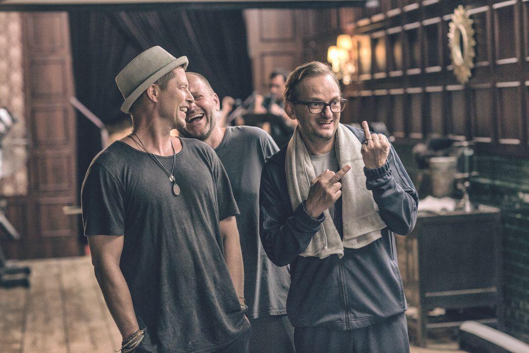 (v.l.n.r.) Thomas (Til Schweiger); Nils (Samuel Finzi); Andreas (Milan Peschel) - Bildquelle: 2018 Barefoot Films Gmbh / Nordisk Film A/S / Sevenpictures Gmbh / Warner Bros. Entertainment Gmbh