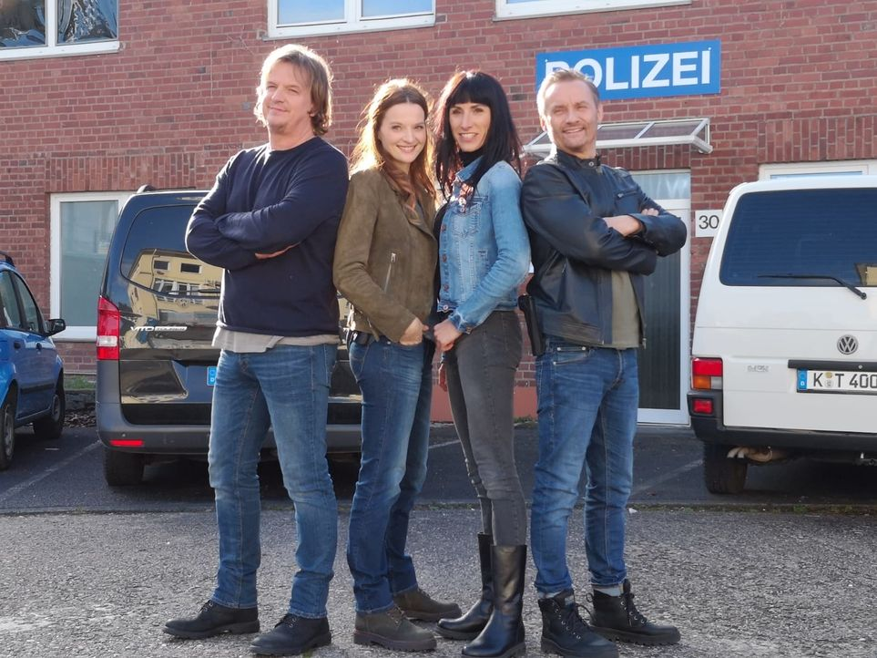 (v.l.n.r.) Christian König; Vicky Sommer; Lara Grünberg; Bernie Kuhnt - Bildquelle: Nicole Adolph SAT.1 / Nicole Adolph