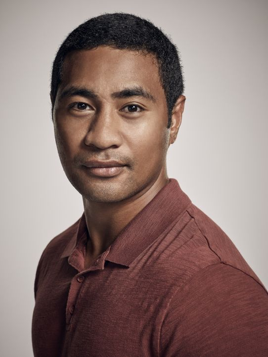 (8. Staffel) - Junior Reigns (Beulah Koale) ist ehemaliger Navy SEAL und derzeit Mitglied der Honolulu Police Department Academy. - Bildquelle: Justin Stephens 2017 CBS Broadcasting Inc. All Rights Reserved.