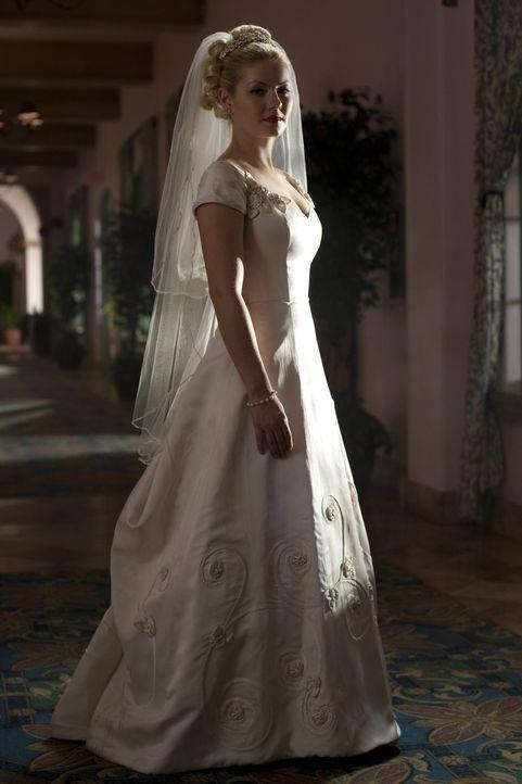 Traut sich, trotz Vorbelastungen: Barbara (Elisha Cuthbert) ... - Bildquelle: Koch Media GmbH, Six Wives, LLC.