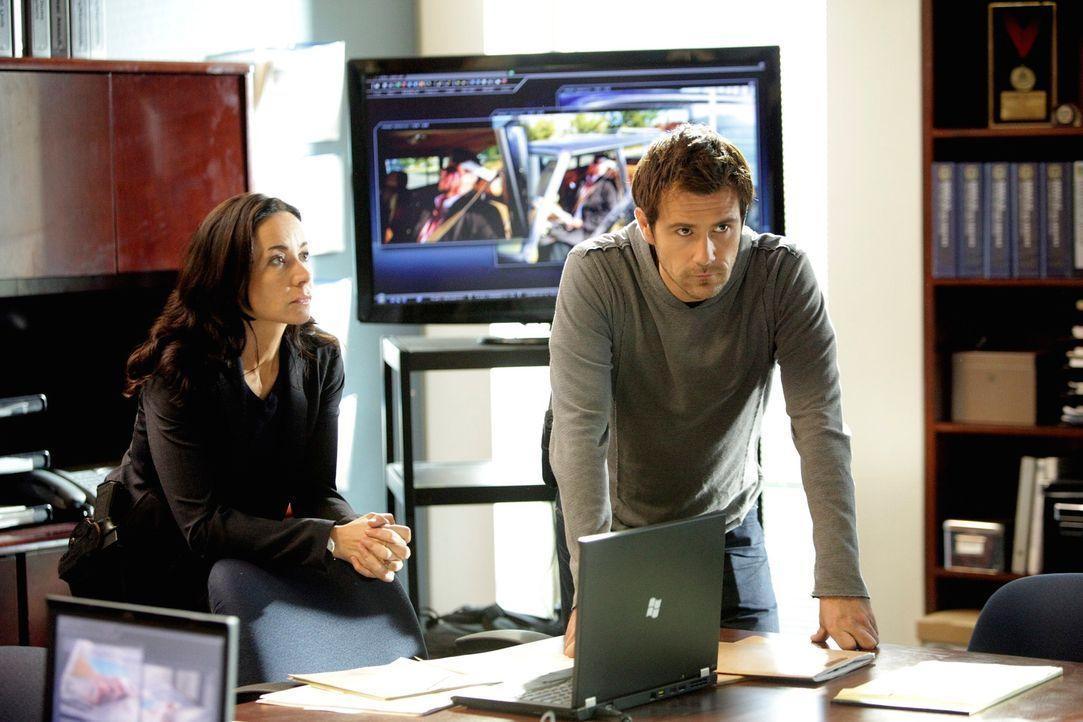 Ermitteln in einem neuen Fall: Mick (Matt Ryan, r.) und Beth (Janeane Garofalo, l.) ... - Bildquelle: ABC Studios