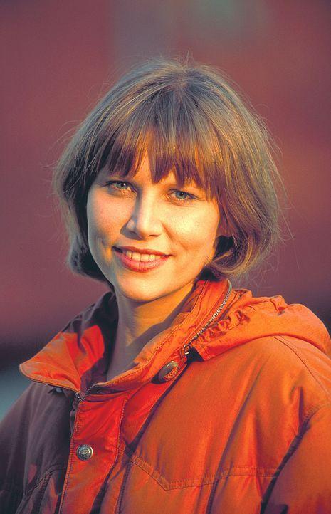 Nachdem Tracy Garrett (Sammi Davis), eine junge Polizistin in L. A.., im Einsatz einen Drogenboss getötet hat, soll sie für einige Zeit abschalten... - Bildquelle: ProSieben