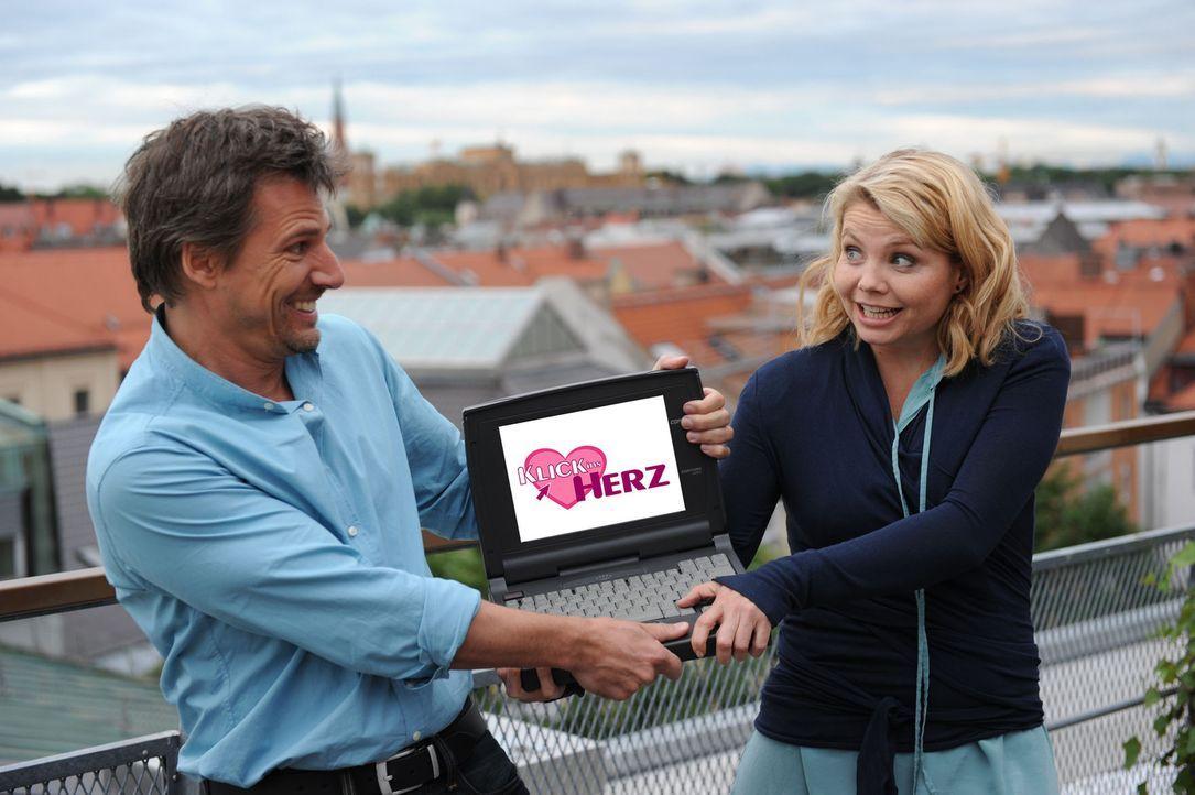 Klick ins Herz - mit Annette Frier, r. und René Steinke, l. - Bildquelle: Sat.1