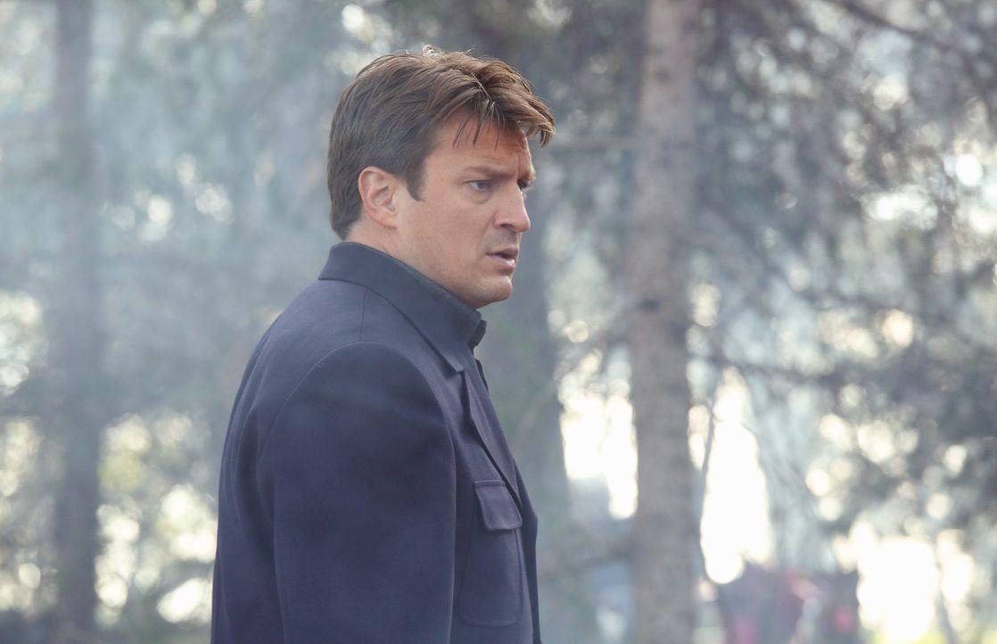 Die Lösegeldübergabe zwischen Castle (Nathan Fillion) und den Kidnappern seiner Tochter verläuft anders als geplant ... - Bildquelle: 2013 American Broadcasting Companies, Inc. All rights reserved.