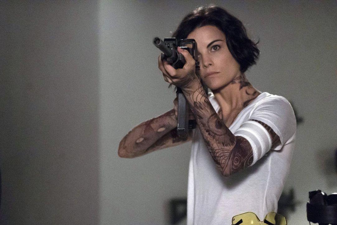 Noch sind Kurt Weller und seine Kollegen keine Spur weiter, was die Identität von Jane (Jaimie Alexander) betrifft ... - Bildquelle: Warner Brothers