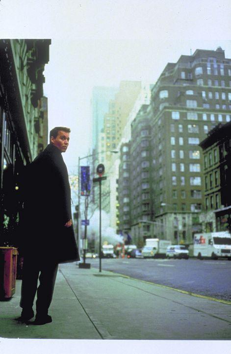 Wieder auf sicherem Erdboden beschließt Spencer (Johnny Depp), die NASA zu verlassen und mit seiner Ehefrau Jillian nach New York zu ziehen. Doch sc... - Bildquelle: 1999 New Line Productions, Inc. All Rights Reserved.