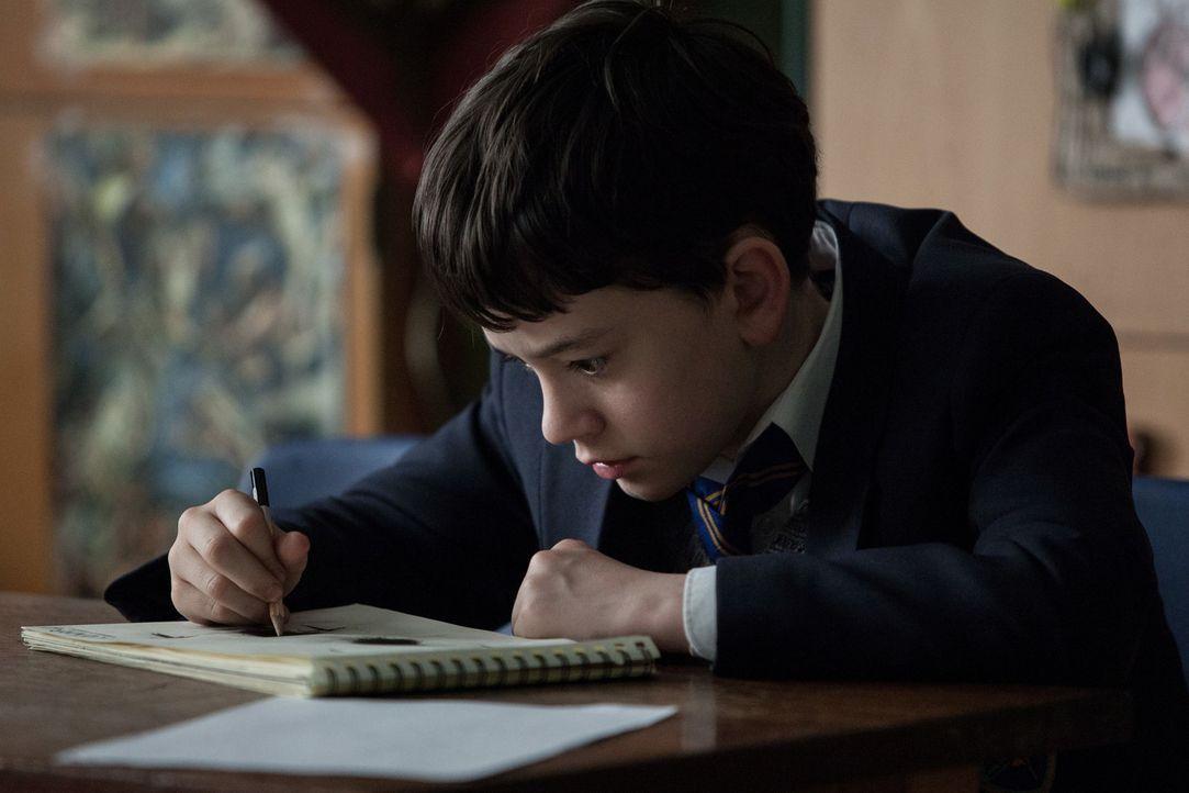 Conor (Lewis MacDougall) - Bildquelle: Quim Vives [2015] A Monster Calls A.I.E.