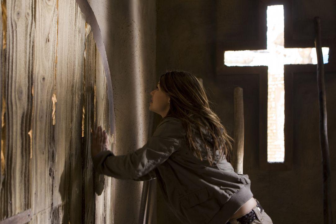 Ihr bleibt nicht mehr viel Zeit, die Menschheit vor verblendeten und machtgierigen dunklen Mächten innerhalb der Kirche zu schützen: Johanna (Cosma... - Bildquelle: ProSieben