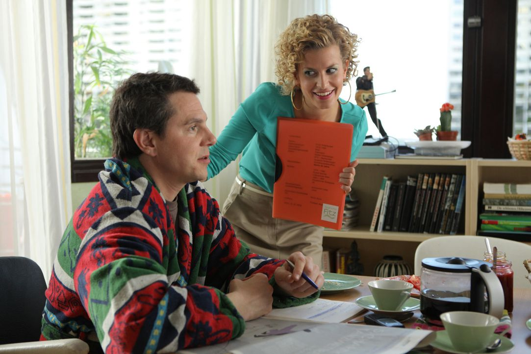 Hat ihre Beziehung noch eine Chance? Rike (Theresa Underberg, r.) und Klaus (Daniel Keberle, l.) ... - Bildquelle: Petro Domenigg SAT.1