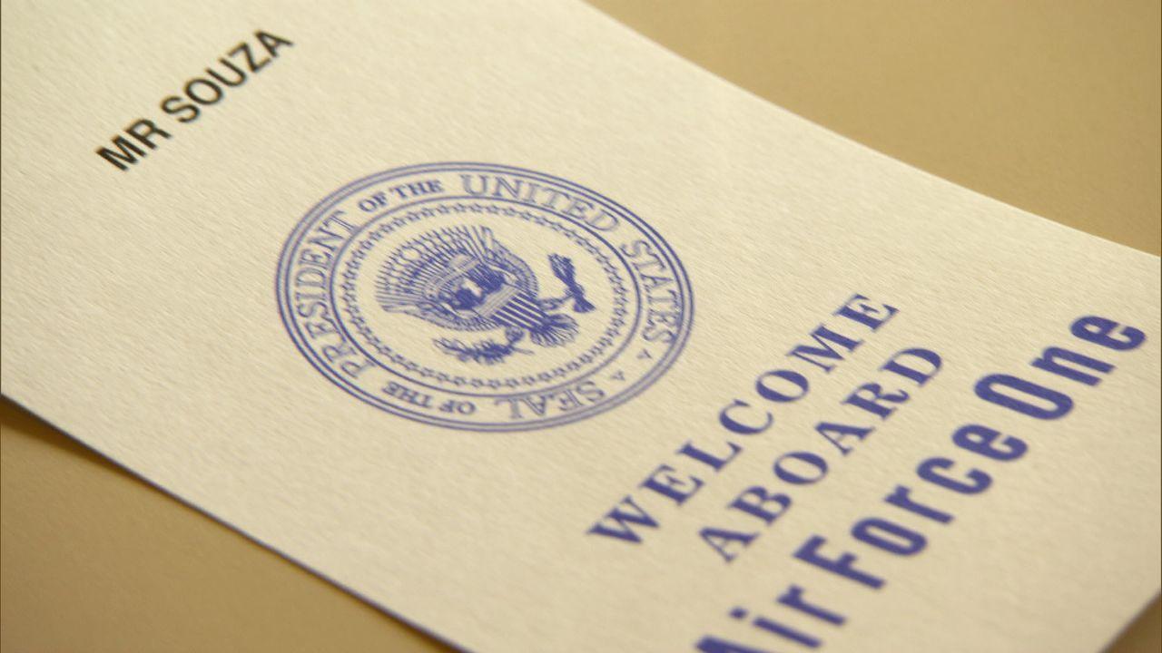 Pete Souzas Einladung für die Air Force One - Bildquelle: Erin Harvey National Geographic Television International