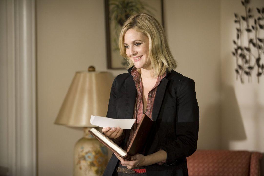 Verliebt sich bei einem Praktikum in einen New Yorker und lässt sich auf eine komplizierte Fernbeziehung ein: Erin (Drew Barrymore) ... - Bildquelle: 2010 Warner Bros.