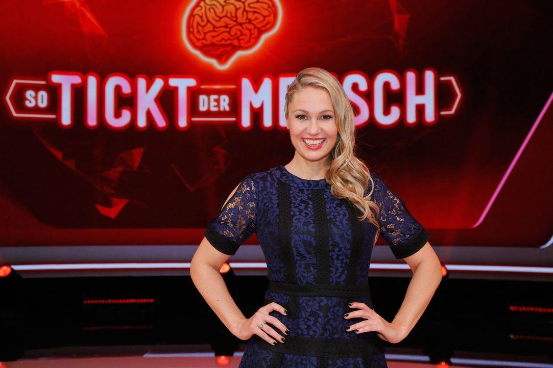 """""""So tickt der Mensch"""" mit Ruth Moschner ... - Bildquelle: Richard Hübner SAT.1"""